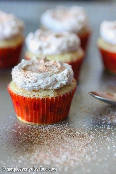 Diese Mini-Snickerdoodle-Cupcakes mit Zimtglasur eignen sich für alle …