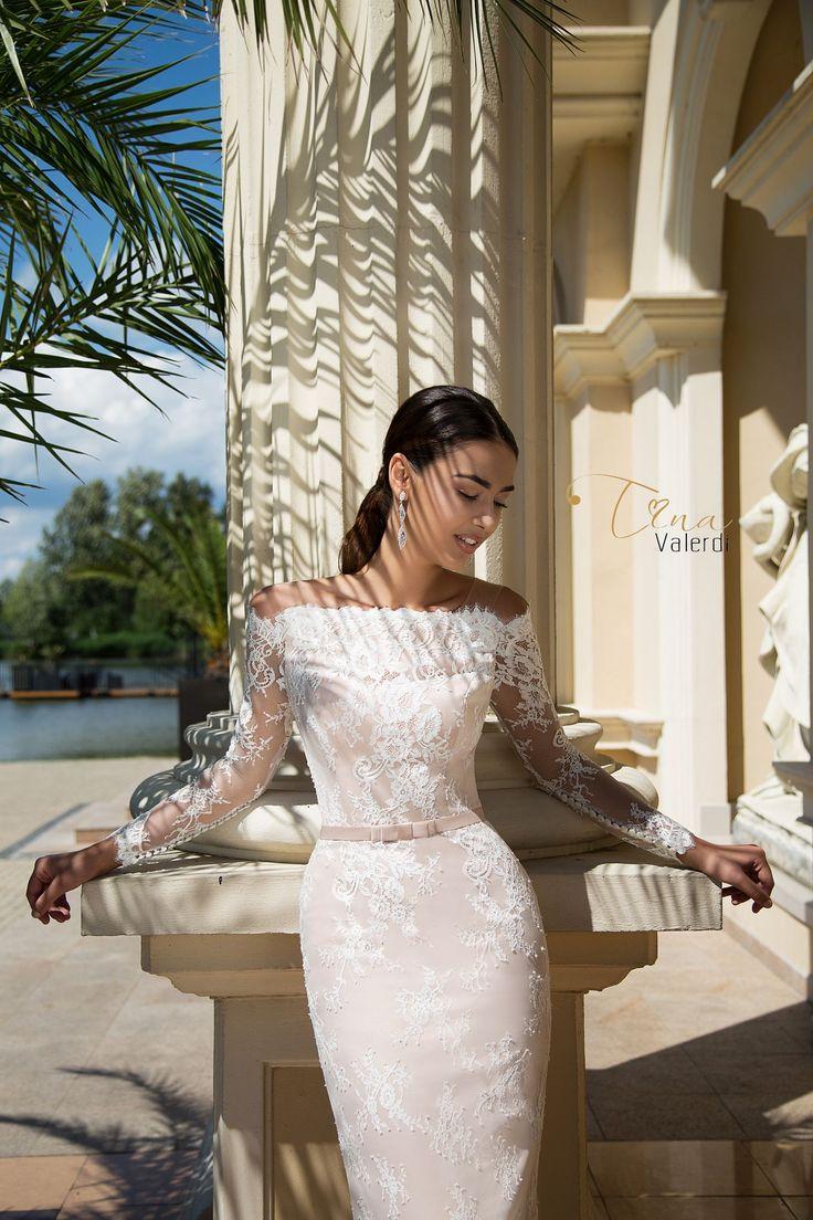 Wedding dress Daniela by Tina Valerdi
