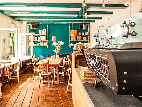 Back To Black Amsterdam: coffee near Museum Quarter #coffee #café #coffeeamsterdam #cafeamsterdam #Amsterdam