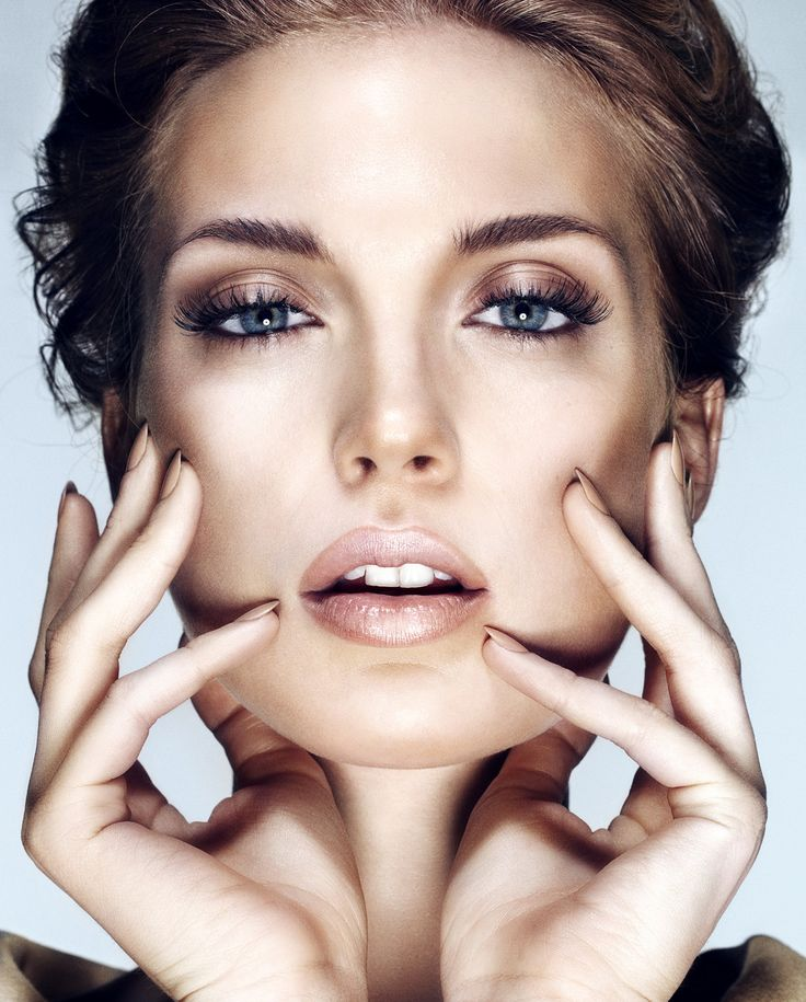 Check out which are the 5 Spring 2015 Makeup Trends that all women should follow and do not hesitate to copy them this spring.