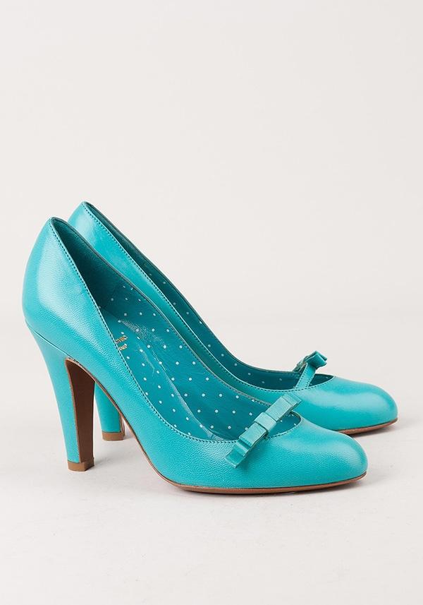 Бирюзовые туфли Moschino для яркой невесты #wedding #shoes