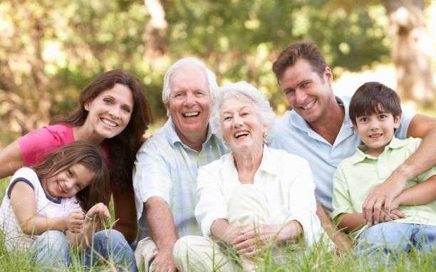 10 πράγματα που θα ήθελαν να πουν ο παππούς και η γιαγιά στα εγγόνια τους