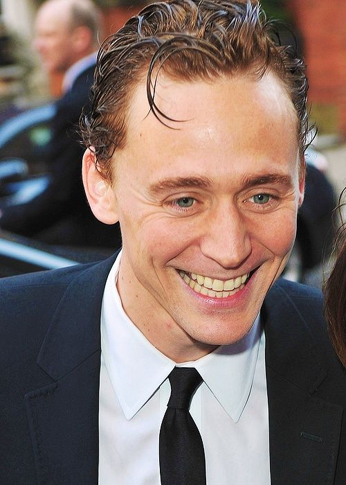 Tom Hiddleston Smiles His Hiddlesmile Tom Hiddleston
