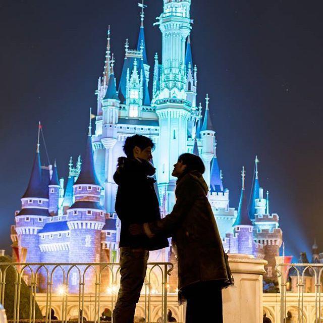 Instagram【muta.yuki】さんの写真をピンしています。 《→TOKYO DISNEY RESORT . . #二次会 #結婚式 #景品 #ありがとう #ラッキー #東京 #ディズニーランド #東京ディズニーシー #シンデレラ城 #セルフ #ミッキー #夜景 #イルミネーション #写真好きな人と繋がりたい #夜景撮影 #城 #disneyland #tokyo #disneyresort #mickey #japan #photography #nikonphotography #nightveiw #wedding #present #thanks》