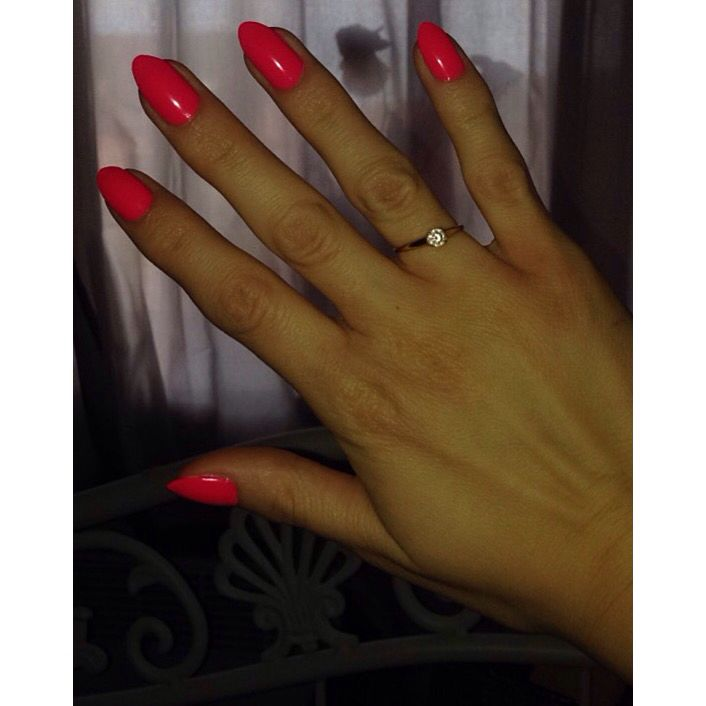 Pinterest : Mina.K. - my nails ! Love This color, perfect for the spring and summer.