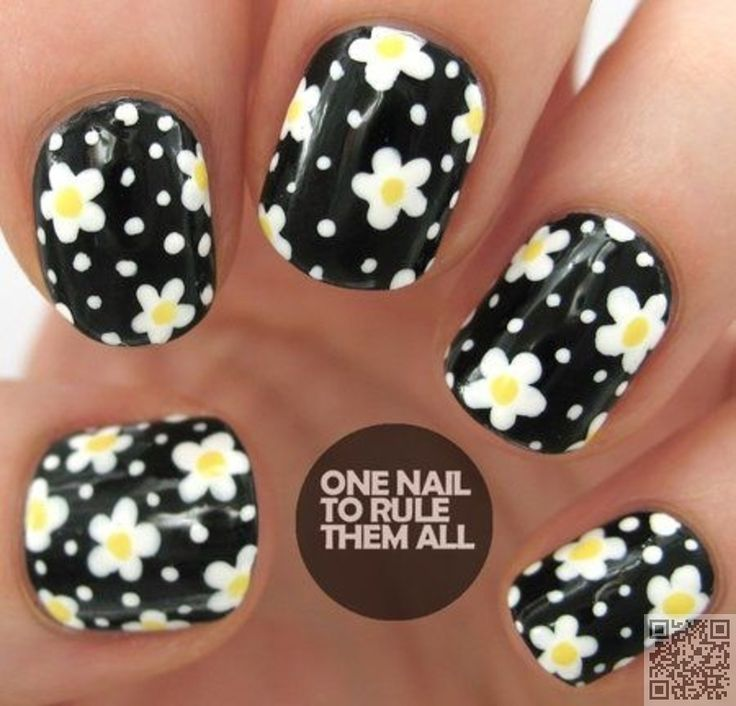 3. #Black and White with #Daisies - Wait Til You See These 42 #Awesome Flower Nail Art #Designs ... → #Nails #Flowers