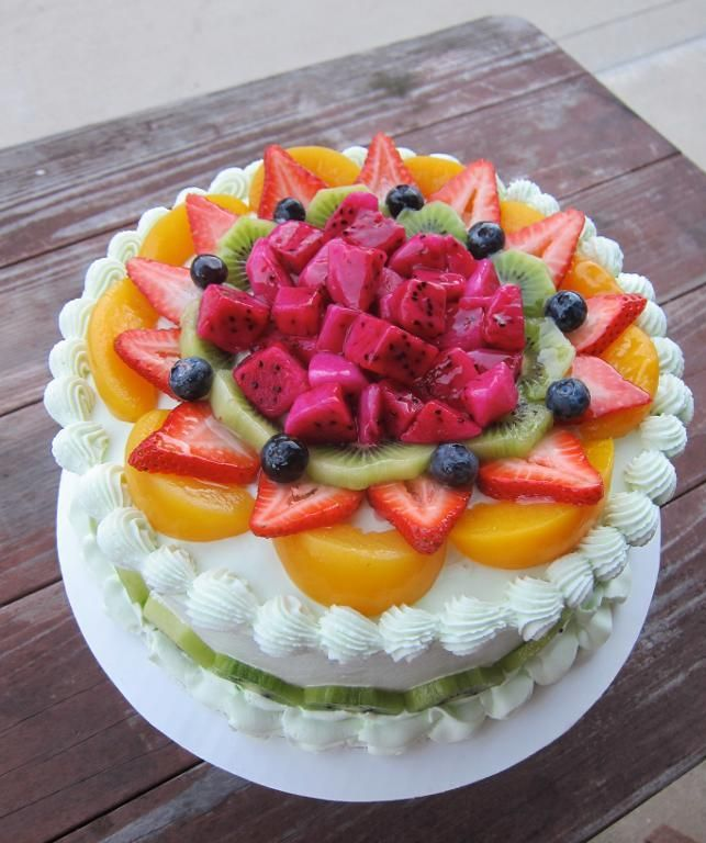 Fruit-Topped Cake by Craftsy member elaine-truong