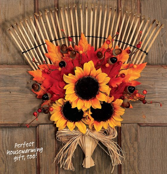 We had so much fun turning this rake into a leafy fall wreath for Woman's World…