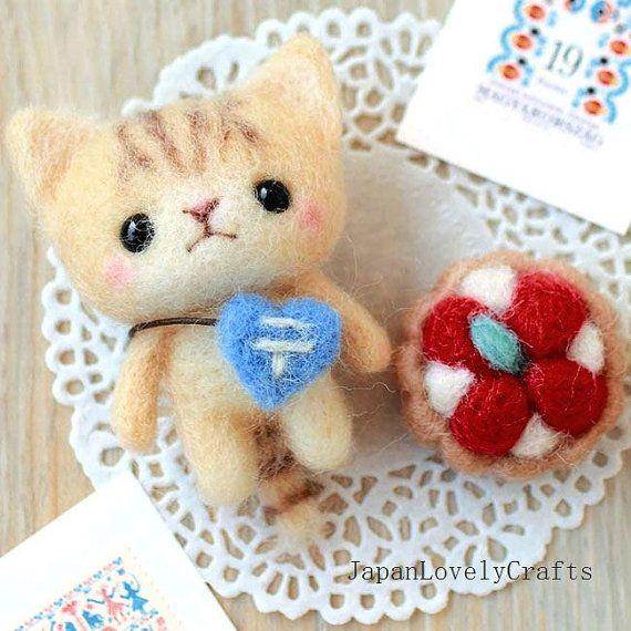 Japanese Needle Wool Felt Mascot DIY Kit - Post Cat + Strawberry Tart - Yoko Ohko - Kawaii Hamanaka - JapanLovelyCrafts