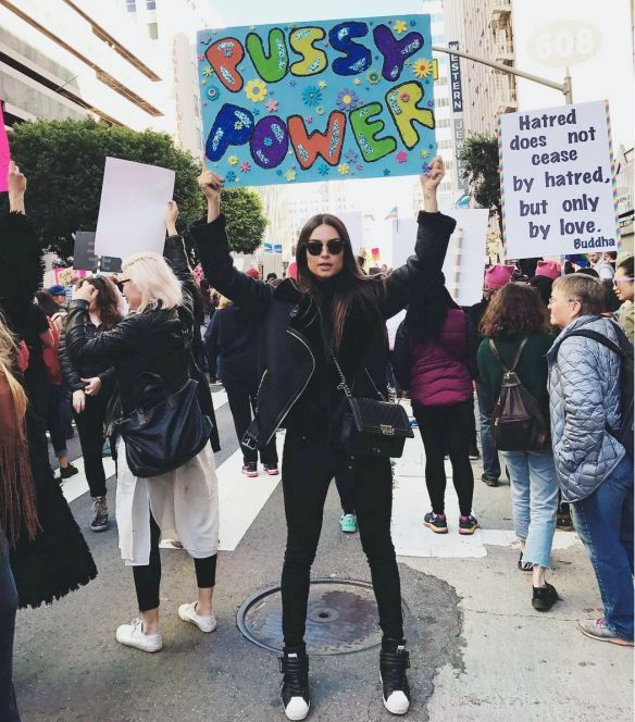 70 Great Women S March Signs From Yesterday S Protests Womens March Signs Womens March Posters Womens March