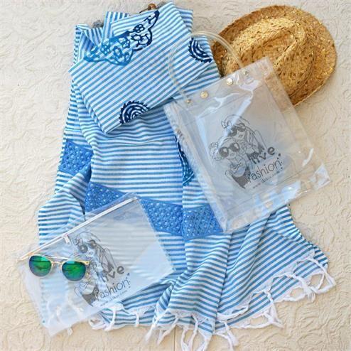 Mavi Dantelli Plaj Seti - Peştemal Mavi Bikini Çantası Şeffaf  Kumaş Türü: Plaj Çantası PVC Peştemal %100 Pamuk Bikini Çantası PVC Paket İçeriği: 1 adet plaj çantası 1 adet peştemal  1 Adet Bikini Çantası