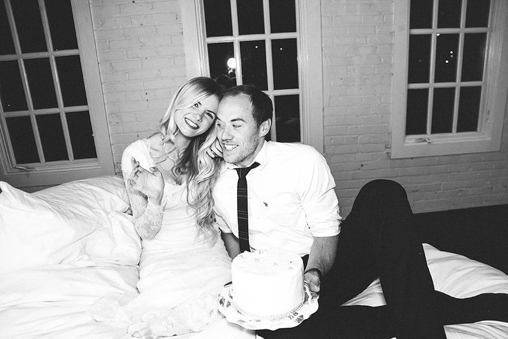 I love this first anniversary photoshoot!
