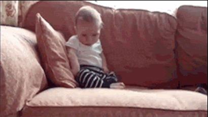 bebês são mini adultos bêbados <3