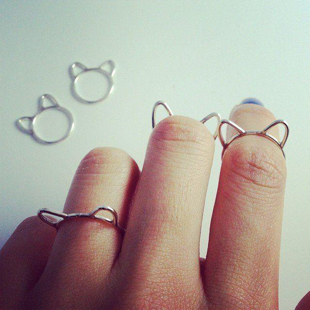 (1) Fancy - Silver Cat Ear Ring