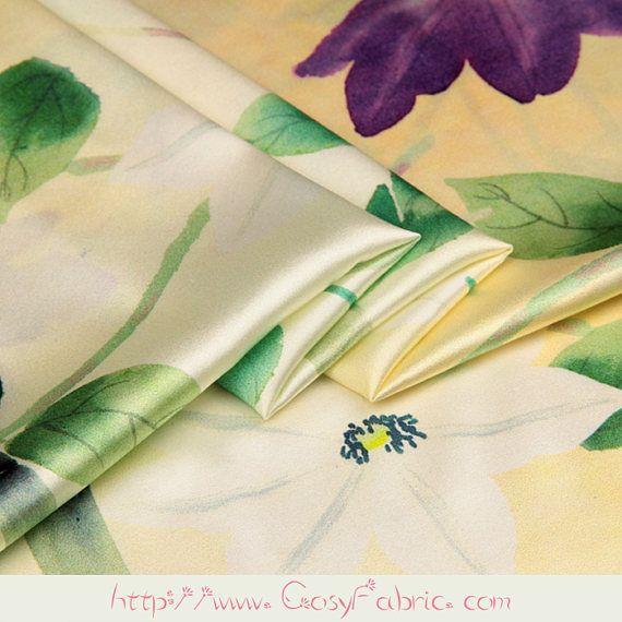 Luz amarilla Charmeuse de seda Stretch Satén tela con flores y