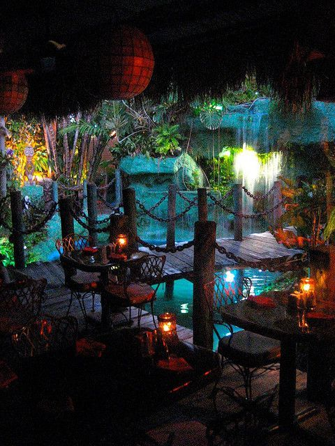 love the Mai Kai restaurant in Ft Lauderdale