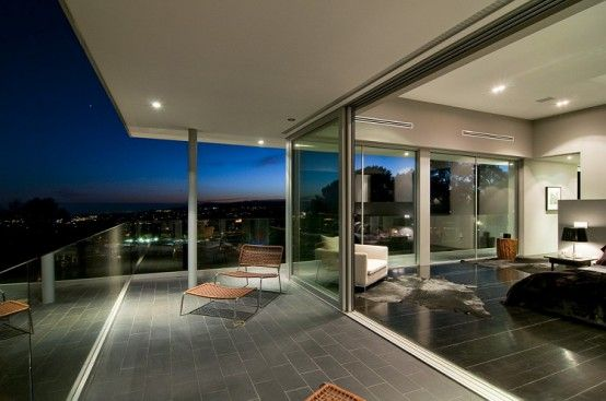 California Modern Luxury Residence - Nightingale Drive House by Marc Canadell