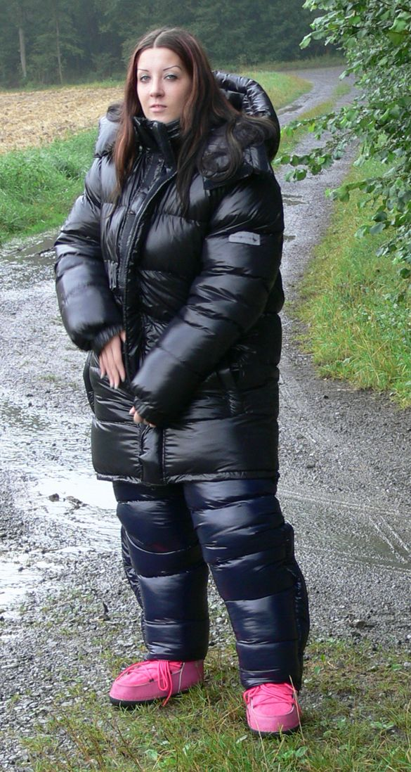 Videos And Images Of Sexy Girls Wearing Puffy And Shiny