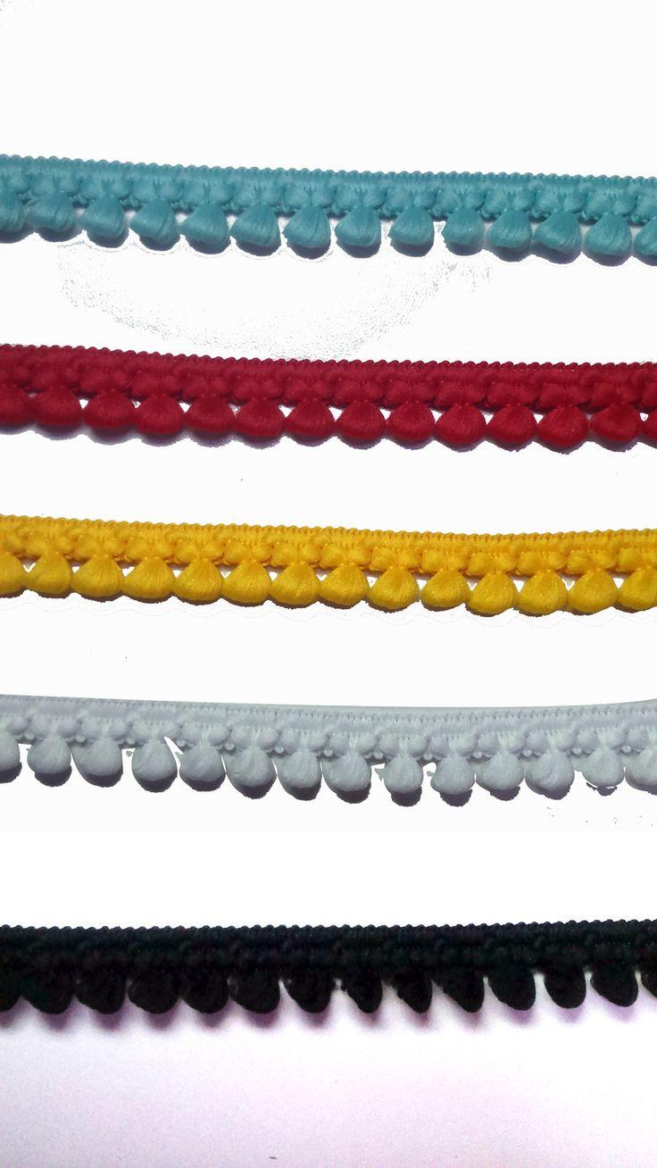 3 m di nastro passamaneria nera - bianco - rosso - giallo - turchese con pon pon piccoli : Nastri di merceriarosapalese