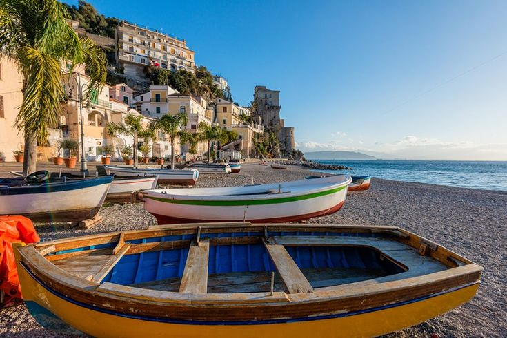 Here is a list of the best Amalfi Coast beaches. Step away from the crowds on your Amalfi Coast holiday and find these hidden, secluded gems.