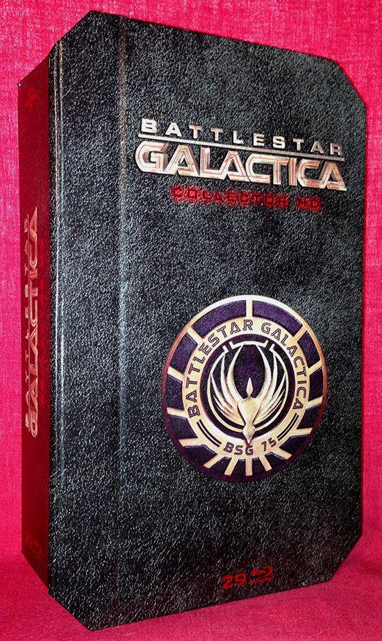 La saga Battlestar Galactica s'offre régulièrement un nouveau coffret, la version Blu-ray de cette année est particulièrement réussie…