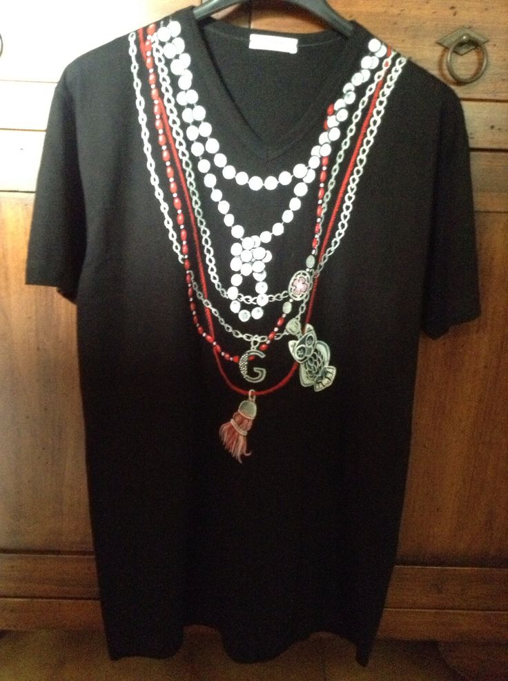 Hand Painted T-shirt: necklaces and charms