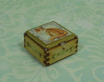 Dollhouse Miniature Wood Vanity/Trinket Box with Cat