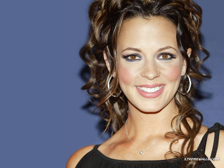 Image Detail for - Sara Evans 1024x768 wallpaper - right click and choose Set as ...