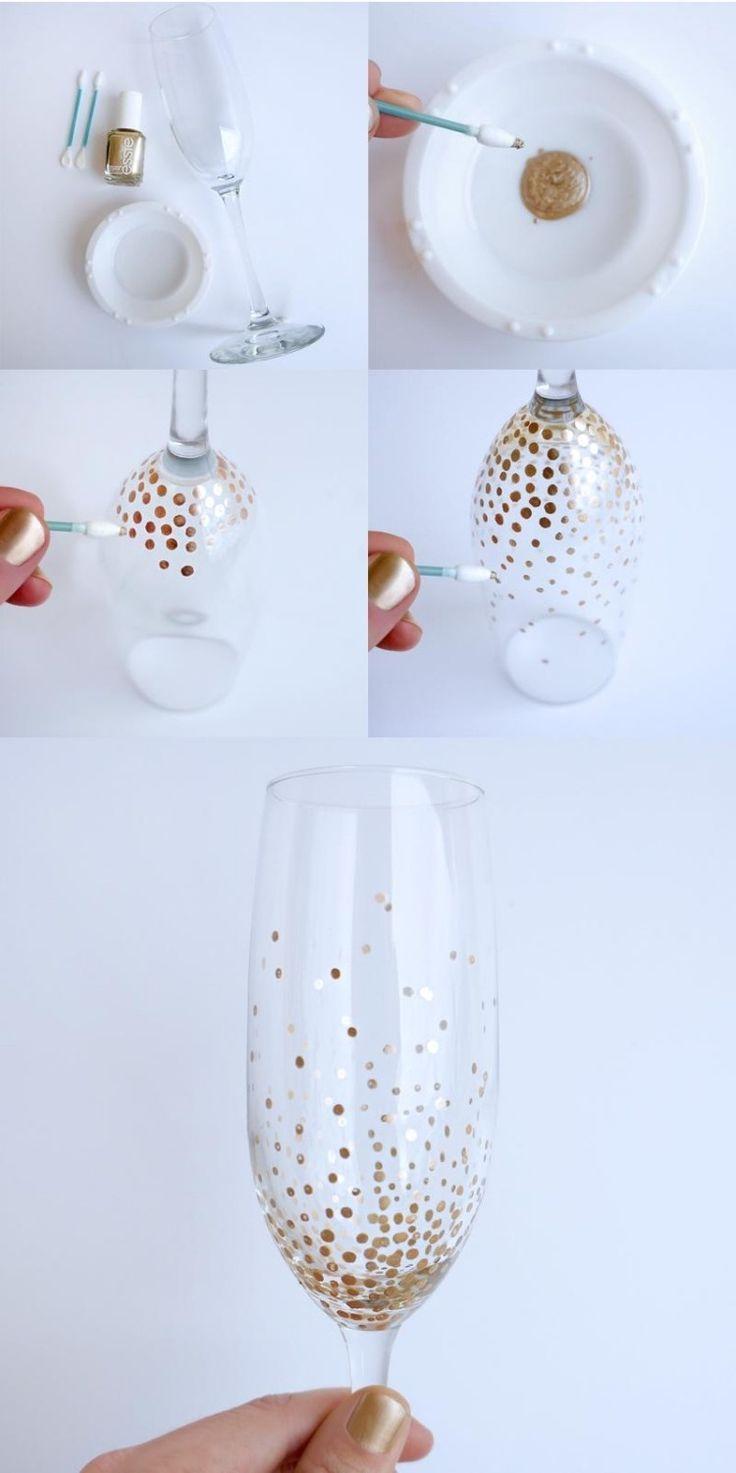 Décorer des verres de champagne avec du vernis à ongles doré