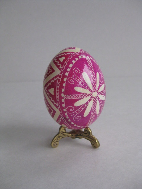"""hats off to the Ukranian Easter eggs! These are easy once you have the kit and a little instruction. Assabett offers a nice """"how to"""" class. I've taken it!"""
