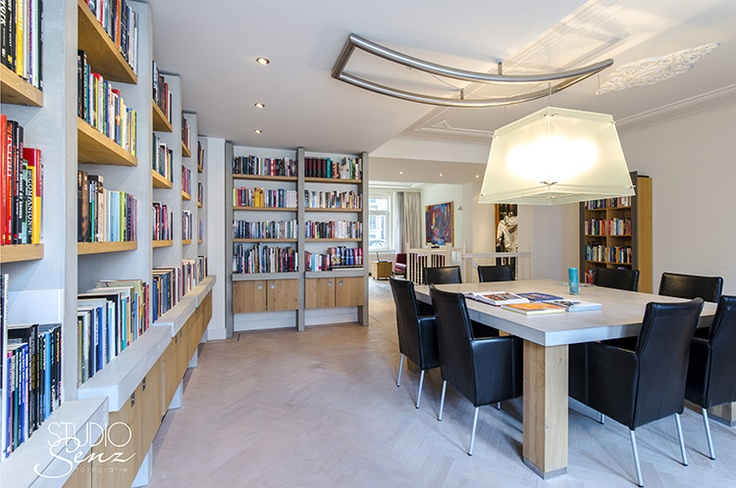 Apartment east Amsterdam with custom made bookcase.    Photography: Studio Senz