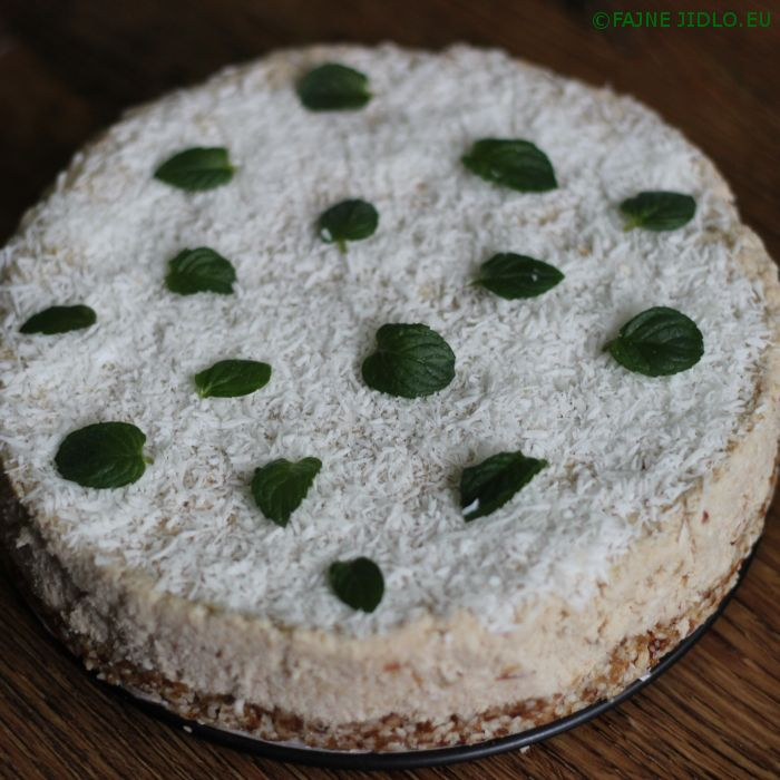 Kokosovo-jablečný RAW dort