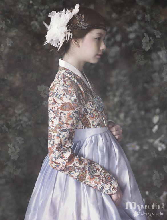 황희우리옷 신부, 봄날 정원에 꽃이 되다