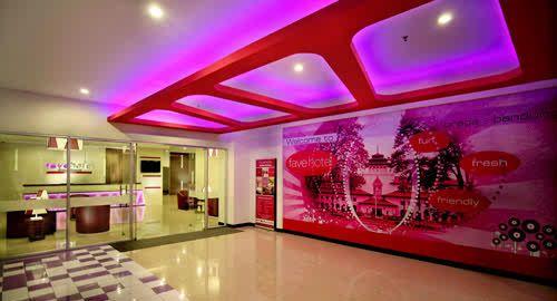 Lobby Entrance Fave Hotel Braga Bandung