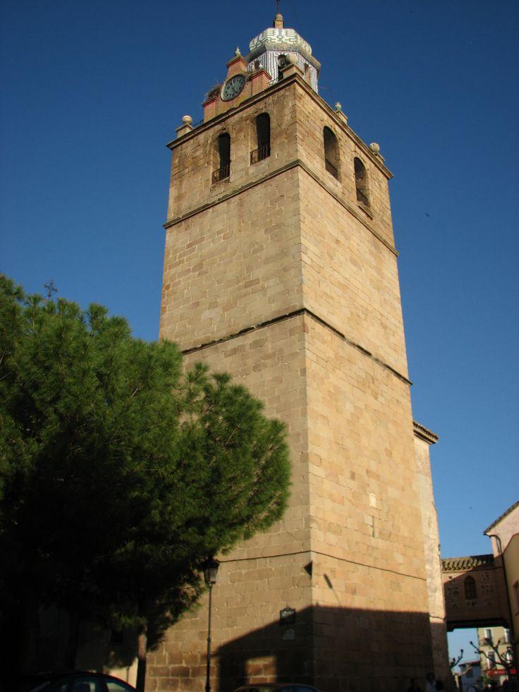 La iglesia de Santa Catalina cuenta con una hermosa torre campanario.