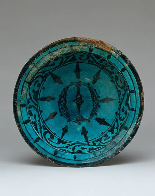 Bowl Date: 12th century Geography: Syria, Raqqa Culture: Islamic Medium: Stonepaste; underglaze painted