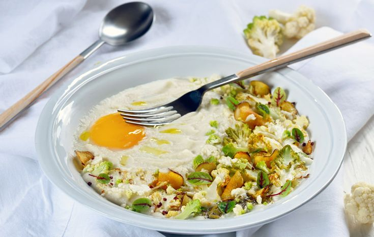 Dorian Nieto du blog Dorian Cuisine nous a concocté une recette haute en couleur et pleine de fraîcheur avec ce velouté. Simple, gourmand, équilibré, ce plat associe au chou-fleur, desrutabagas et notre sauce aux olives façon