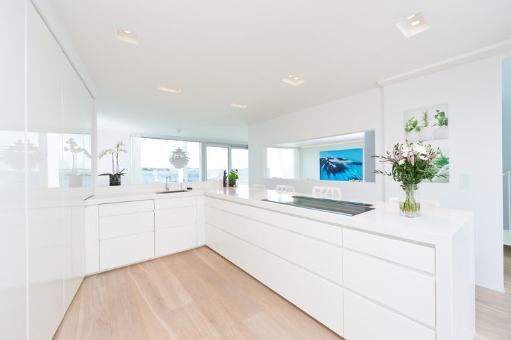 Glossy white Boform Line kitchen