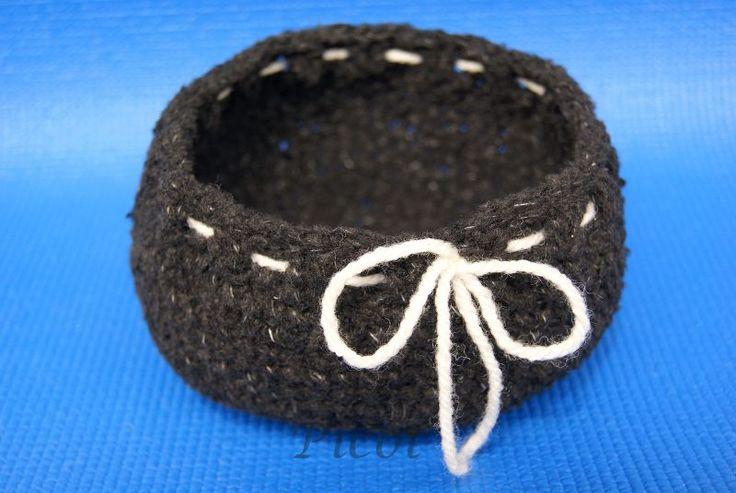 Picot - Szydełkowe Inspiracje: Czarny koszyk szydełkowy