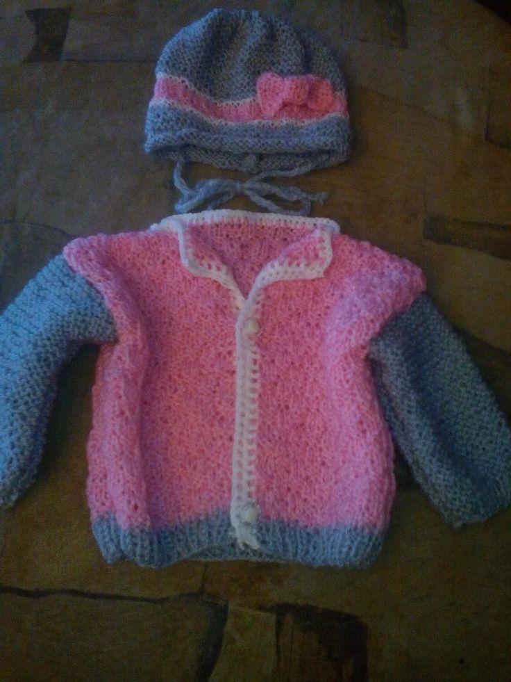 pletený svetřík a čepička