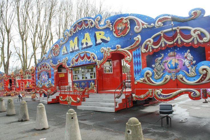 Angers : Le cirque Amar a investi la place de La Rochefoucauld ...