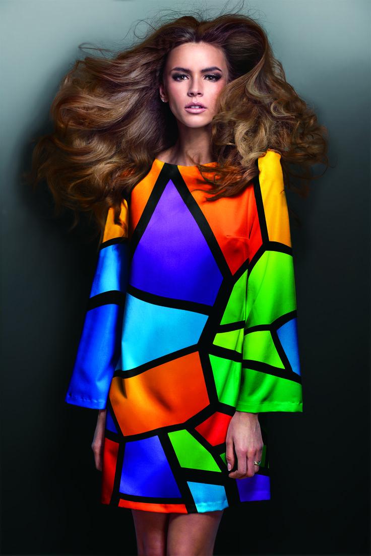 RT-640 permette anche di entrare nel mondo del pronto moda, del fashion e dell'accessoristica moda, grazie alla sua qualità di stampa, per l'abbigliamento.  Scopri di più su www.rolanddg.it