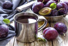 Prune juice is something of an anomaly. Unlike other kinds of juice, it isn't made by extracting juice from fresh fruit. Instead, prune juice is made from dried plums that have been pureed and liquefied in hot water. While the highly concentrated beverage has its benefits, it probably won't encourage weight loss.