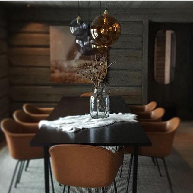 modern cabin dining