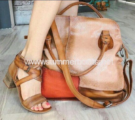 Комплект женские летние сандалии и сумка в тон. Сделаны из натуральной кожи красного и коричневого цветов.  Модели выполнены в изысканном