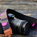 KAMERAGURT Cameo Pink Eleganter Kameragurt fernab des schwarzen Einerlei. Der sehr hochwerig verarbeitete Kameragurt ist auf der Unterseite mit Neopren gepolstert, so dass sich auch schwere...