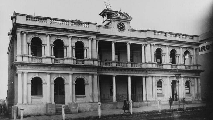 The Post Office (formerly known as Public Offices Orange). Public Offices include Roads and Survey Offices and Post and Telegraph Offices, date unknown. Photo:  The Collections of Central West Libraries.