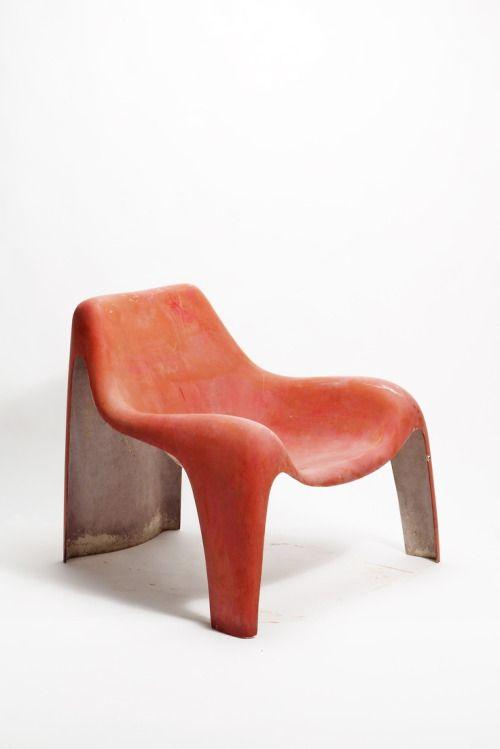 © Luigi Colani. Fiberglass lounge chair