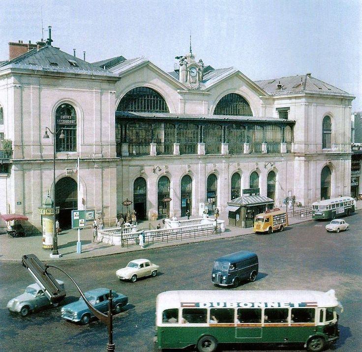 L'ancienne Gare Montparnasse à Paris, à la fin des années 1950, juste avant sa démolition. https://www.facebook.com/johndorbigny/