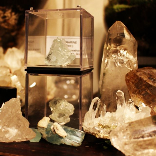 Gunjiさんの、棚,鉱石,水晶,理科室,原石,鉱石棚,理系インテリア,のお部屋写真